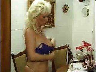 Mulher Madura Procura Jovem Em Hollywood-9308